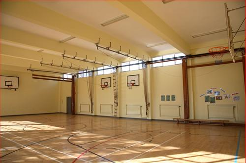 Sports Gym Schools Plus At Hazelwick School