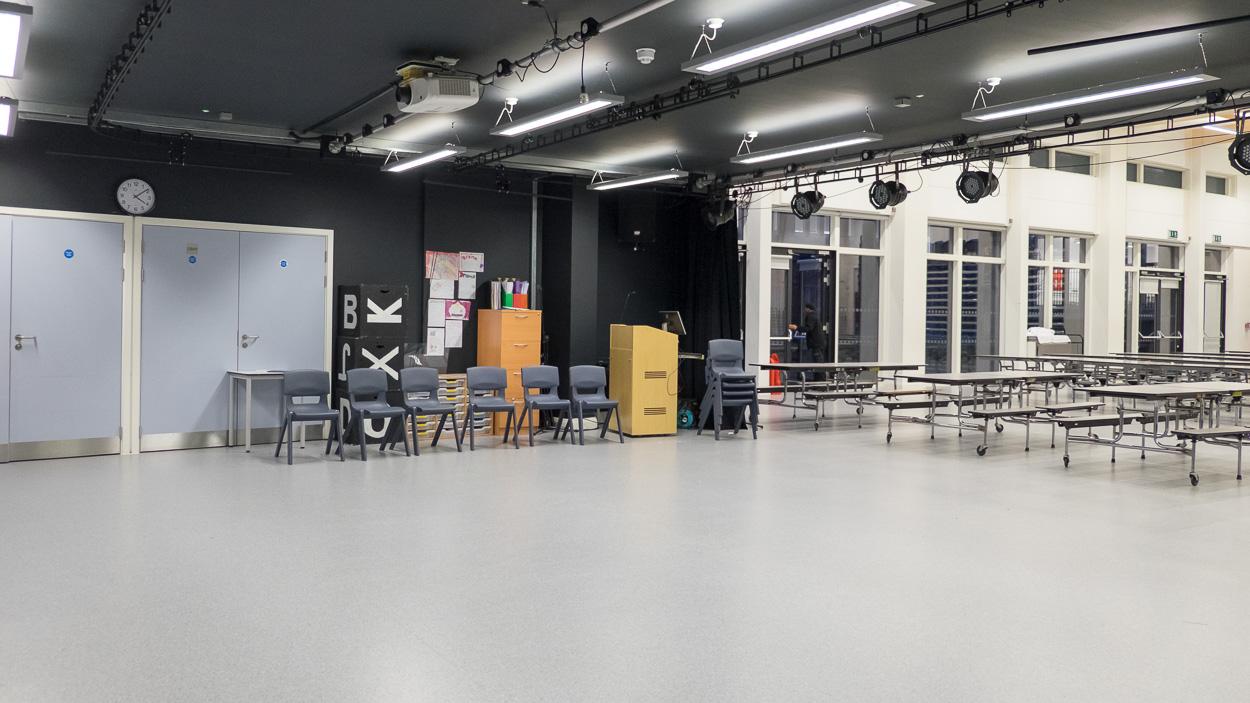 Mossbourne Victoria Park Academy - (Drama Room)