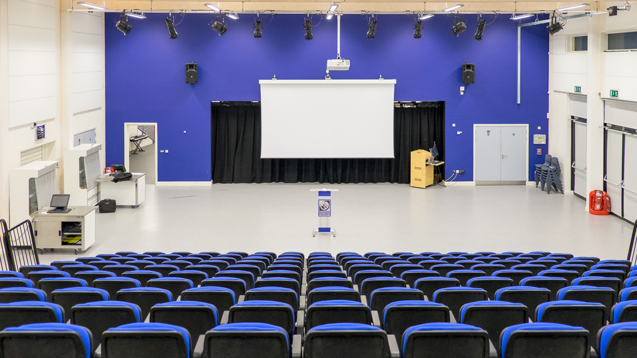 Mossbourne Victoria Park Academy - (Assembly hall)